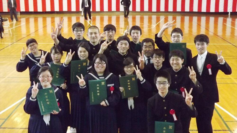 瀬棚中学校卒業式02