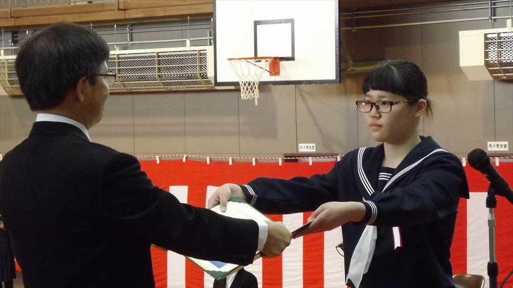 瀬棚中学校卒業式01